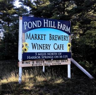 pond hill farm roadsign